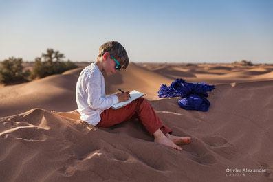 Voyage entre homme désert Maroc