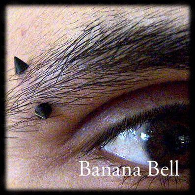 Bijou Piques noirs piercing sourcil