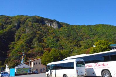 伽羅苑観光バス駐車場