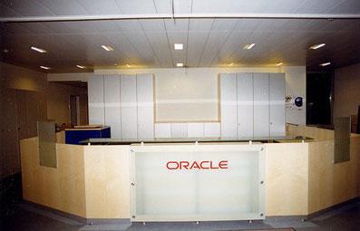 Individuelle Empfangstheken und Büroeinrichtungen, © Ladenbau Berschneider, Deining