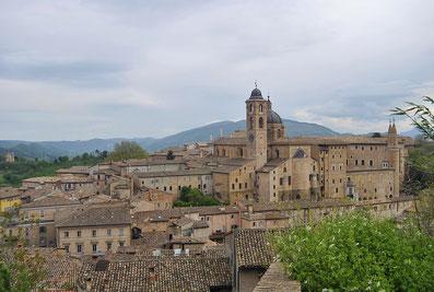 Urbino: Il borgo a misura d'uomo