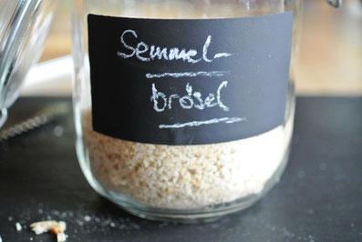 Altes Brot haltbar machen - Paniermehl oder Semmelbrösel