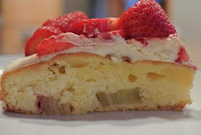 Rhabarber-Erdbeer-Torte