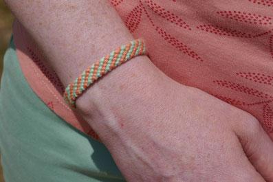 Bracelet résilien en diagonales
