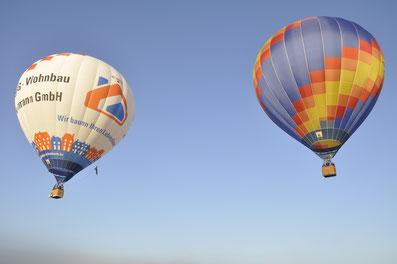 Zwei Ballone über Blumberg, Fluzgplatz