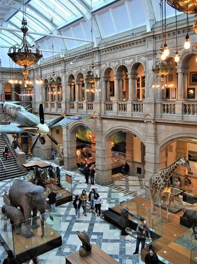Glasgow Sehenswürdigkeiten Top 10 - Kelvingrove Art Gallery and Museum