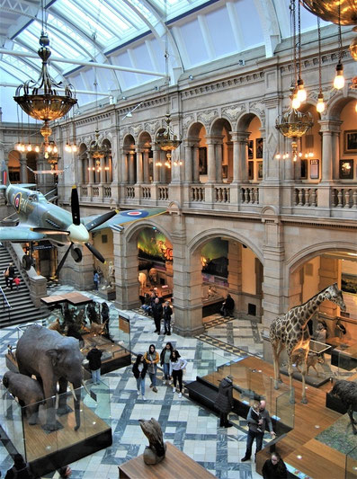Glasgow - 10 things to see and do - Kelvingrove Art Gallery