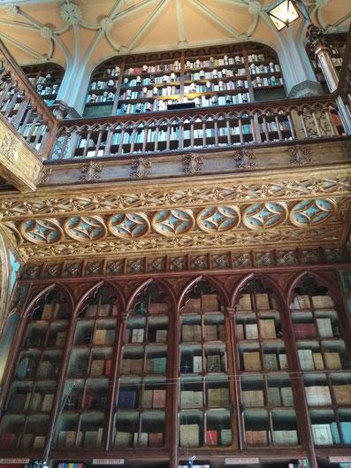 Porto Top 10 Sehenswürdigkeiten - Buchhandlung Livraria Lello