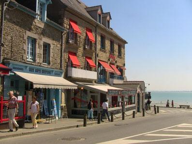 海沿いのレストラン。