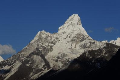 Nepal Expedition und Trekkingreise zur Ama Dablam 6.856 Meter (Matterhorn Nepals) mit Bergführer und Fotograf Andreas Frech