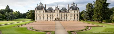 L'école Buissonnière gîtes pour famille et groupes à Cheverny - tourisme châteaux, balades à dos d'âne, vacances en famille, amis - Val de Loire, Loir-et-Cher - Le château de Cheverny