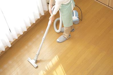 家事代行 フローリングの掃除機がけもお任せください!