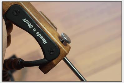 Mit dem Stellrad kann die Länge des Stachels variiert werden.