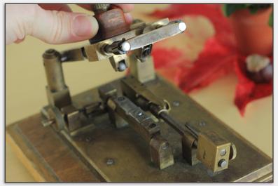 Der erste von Kunibert Michel entwickelte Außenhobel für Oboenrohre.