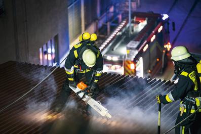 Rettungskettensäge - STIHL MS 462 Spezialsäge - Feuerwehr - Feuerwehreinsatz - THW Einsatz - Rettung - Rettungseinsatz