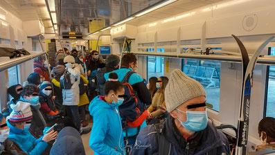 Wenn man in den Schnee wollte, ging das fast nur in überfüllten Zügen.