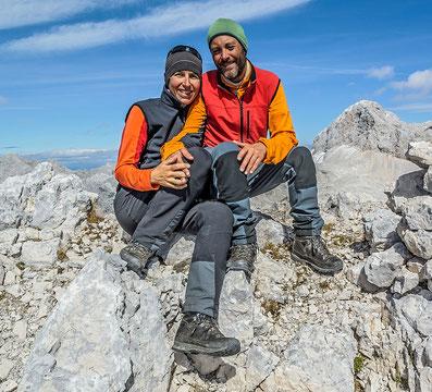 Portrait von Maria und Wolfgang Rosenwirth am Gipfel des Kanjavec in den Julischen Alpen © Rosenwirth