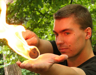 Feuerartist, Feuershow, Pyrometheus, Körperfeuer, Markus Schmidt, Gera, Thüringen, Greiz, Lusan,