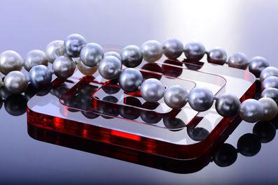 Objekt 73 Perlenkette - photo by dg photo creator