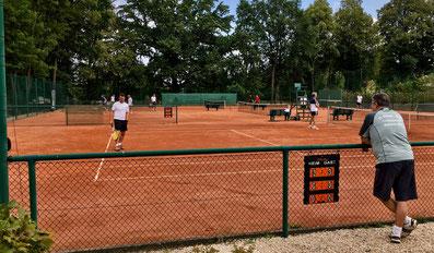 Blick auf unsere drei Tennisplätze beim Punktspiel gegen die SG Rotation/TuR Dresden