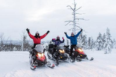 Schneemobiltouren mit Ways of Lapland