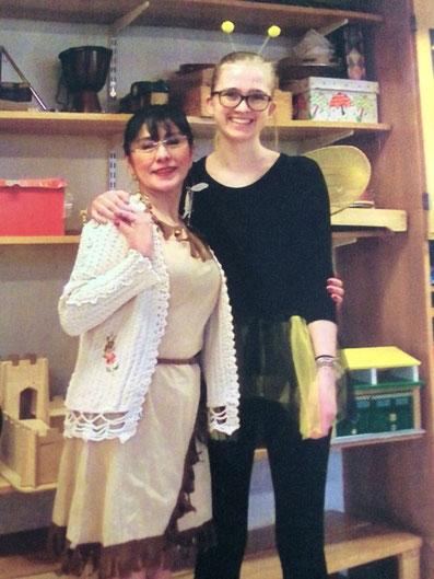Magdalena Kollbeck mit Vorschullehrerin Monica in der S:t Erik Schule in Stockholm