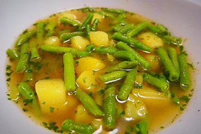 vegane grüne Bohnensuppe