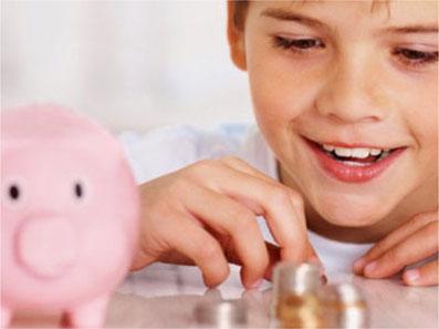 Kinder sollten sich früh mit dem Thema Geld und Konsum auseinandersetzen. Bild: Pro Juventute