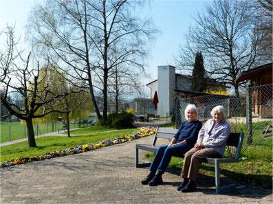 Der Garten im Grüneck: eine Wohltat für die Heimbewohner. Bild: Urs Weisskopf