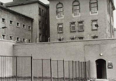 meine Ausbürgerung aus DDR erfolgte am  8.10.1983