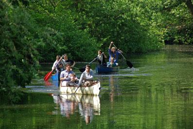 Kanutour mit der ganzen Familie auf der Alster