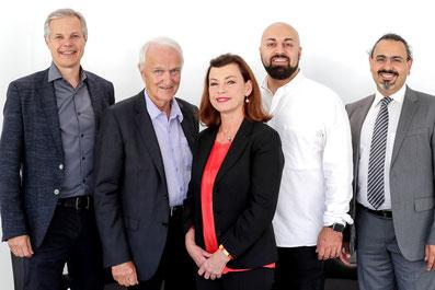 v.l.: Gerald Zeininger, Werner Schöny, Renata Schmidtkunz, Ali Mahlodji, Kurosch Yazdi / Foto: Volker Weihbold/OÖN