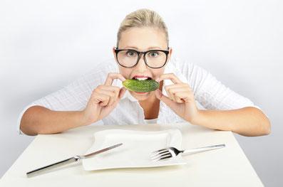Die low-FODMAP-Diät reduziert den Anteil kurzkettiger, schwer verdaulicher Kohlenhydrate in der Ernährung. Es kommt zu geringerer Fermentation im Dickdarm, was weniger Gasbildung und osmotische Effekte zur Folge hat. Bild: Tim Reckmann/pixelio.de