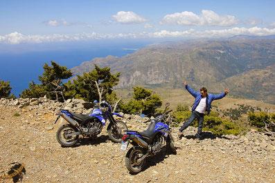 Kreta auf Schotter ist ein wahres Paradies und bestens geeignet, Weltreisegedanken zu säen...