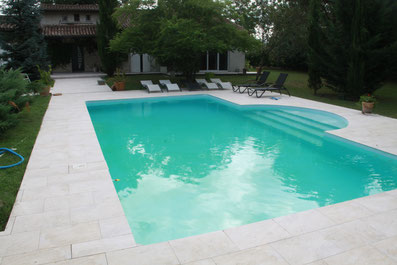 plage de piscine carreleur sur Toulouse