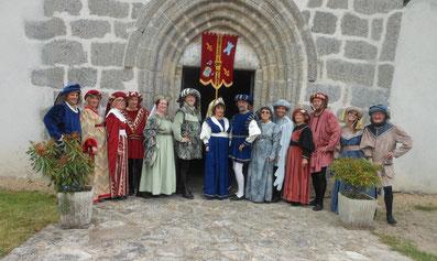 La quasi totalité des danseurs à la fête médiévale de Sermur 2015