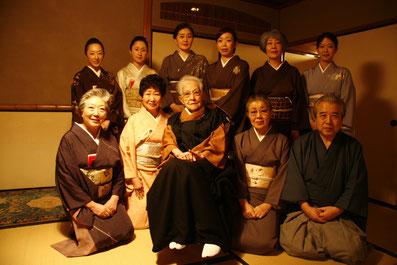 塩月宗芯師、五藤宗紫先生と濃茶席水谷を担当された助手の皆様、龍善堂長田さん