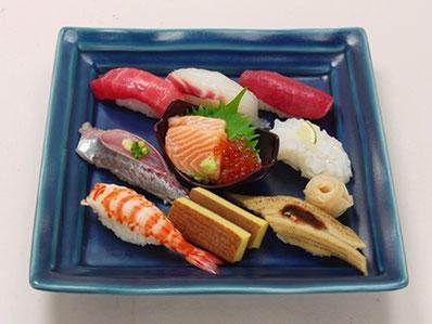旬のネタを盛り込んだ「築地寿司清」の特製江戸前寿司付きの講座はCOTONOWAだけ!寿司ネタは当日のお楽しみ。