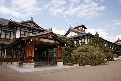 明治42年に創業し、「関西の迎賓館」とも呼ばれる『奈良ホテル』。