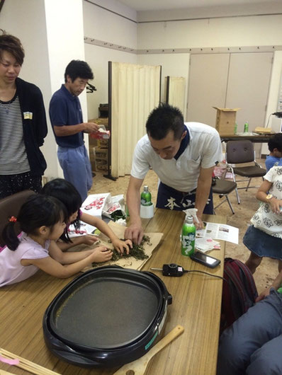 日本茶の魅力を伝える活動にも積極的に取り組む佐々木氏。