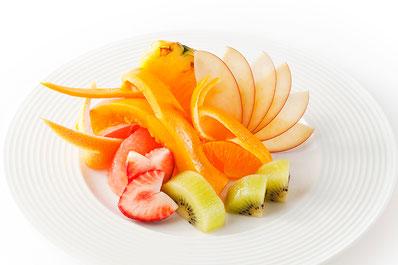 フルーツ本来の美味しさを生かし、華やかに盛り付けられるカットの方法を学んでみませんか?