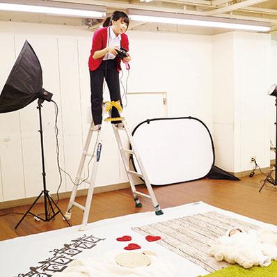 当日はアーティストが撮影します。