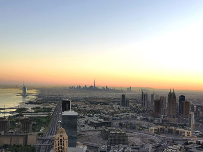 Sonnenaufgang über Dubai