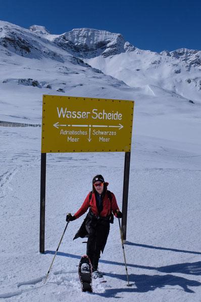 Wasserscheide Schneeschuhwandern am Bernina Pass