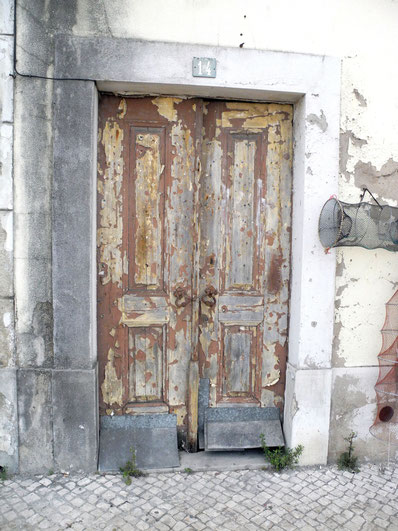 Door in Peniche, Portugal - Doors of Portugal Tell Their Story © Melanie Klien @Mafambani