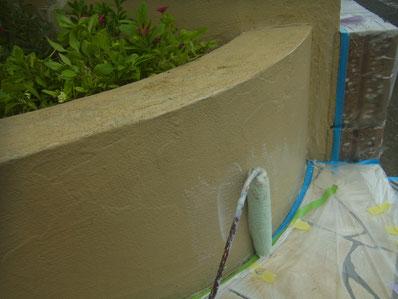 塀塗装中です。熊本Y様邸