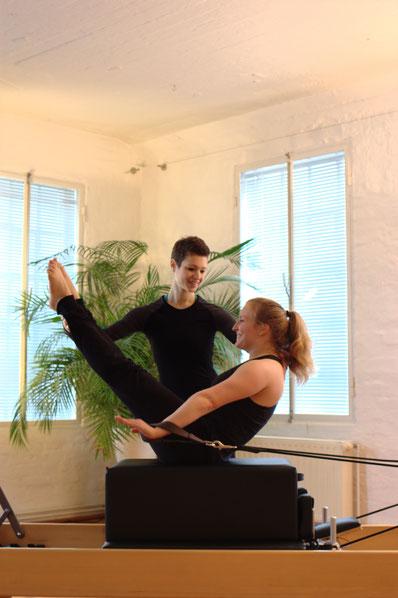 Personaltraining Pilates auf den Geräten