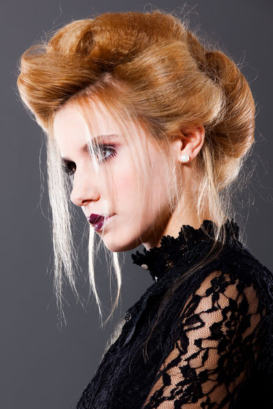bloos Make-up & Hair Academy