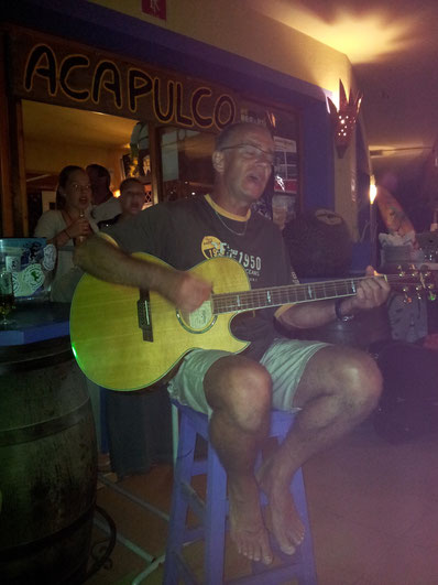 """im """"Acapulco"""" (das gseht me ja!! u wo isch dr Caipirinha??) Formentera 2012"""