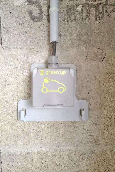 Prise renforcée Green'Up - Legrand pour recharge d'un véhicule électrique